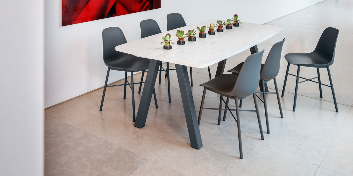 Ensemble tafel Veneto en stoelen Cloë